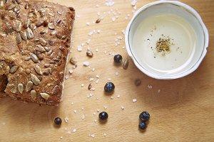 bread, pepper, juniper, seeds, oil
