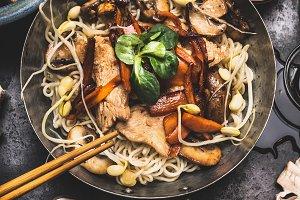 Chicken vegetables noodle stir-fry