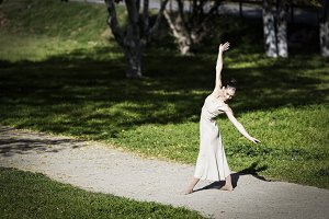 Contemporary dancer dancing in an ur