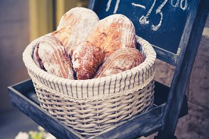 Wholemeal bread in a basket