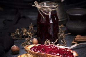 toasts  with raspberry jam