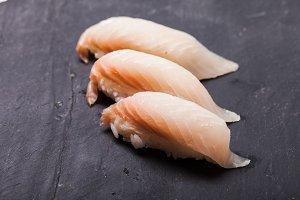 Tai nigiri sushi