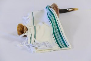 Prayer Shawl Tallit Shofar jewish
