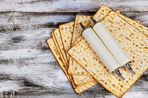 Pesah holiday matza jewish Torah