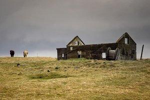 icelandic abandoned barn (AgON3)