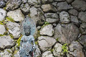 shinto statue