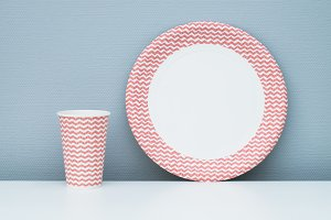 Pink paper cup and plate