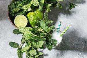 Coconut mojito cocktails