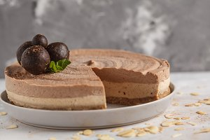 Raw vegan chocolate cheesecake