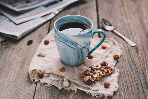 Coffee mug with muesli