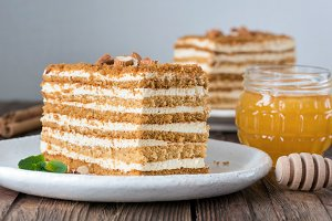 Honey cake Medovik. Russian cake