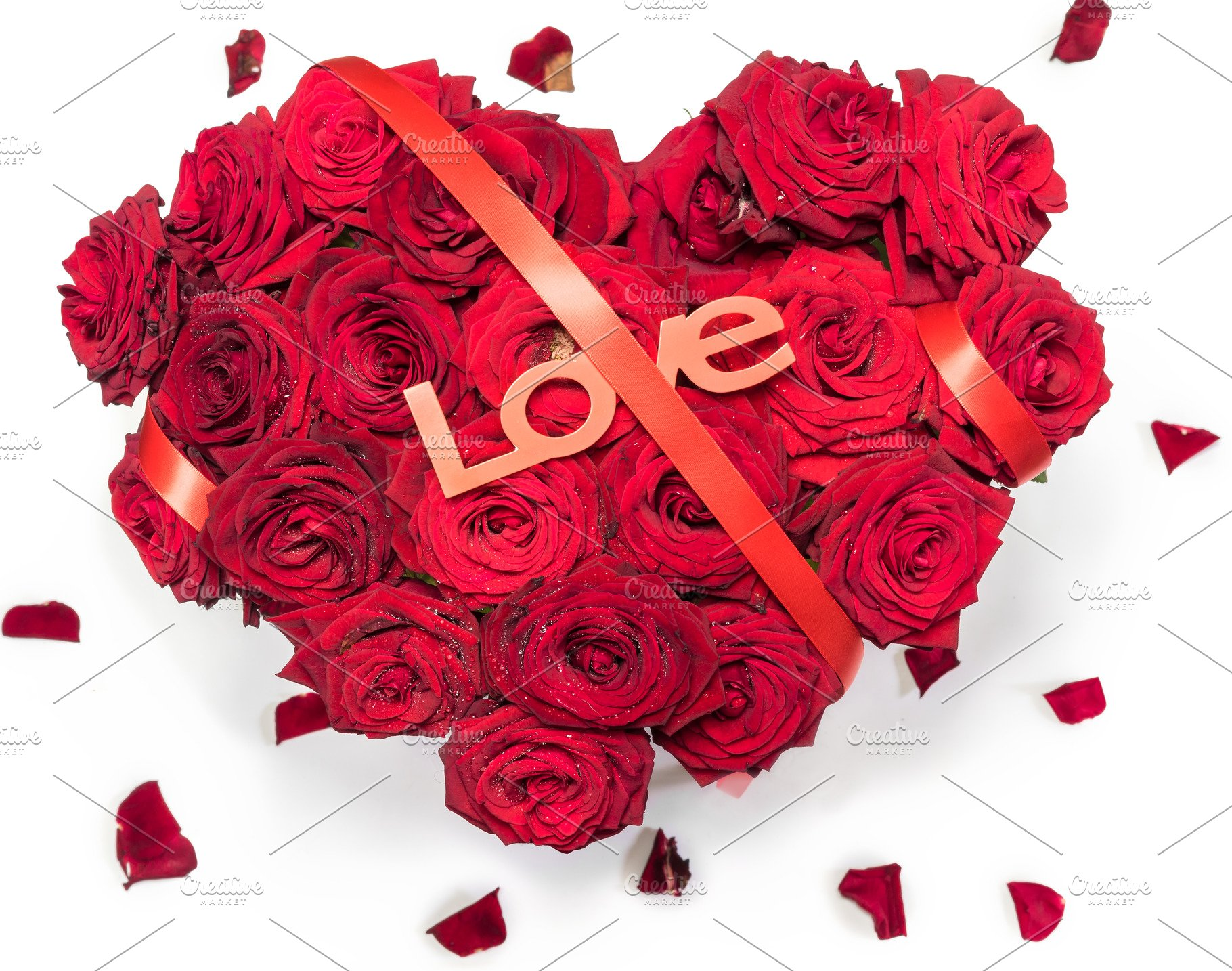 Heart Made Red Roses Bouquet Red Ribbon Text Love Petals Isolated