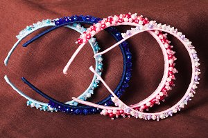 The jewelry headbands