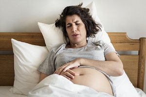 Pregnant woman with labor pain