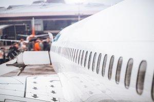 Boarding process, airplane body