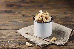 Sald cashew nuts