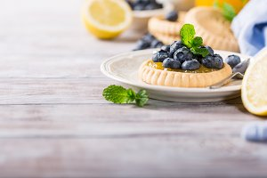 Lemon curd tartlet with fresh blueberries
