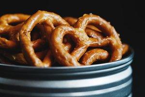 Crunchy pretzels appetizer
