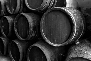 Old barrels for whiskey o wine