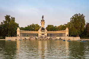 Buen Retiro park lake in Madrid
