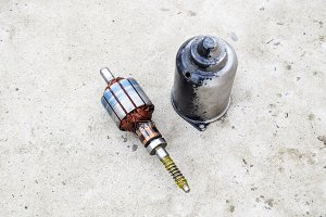 Electric wiper motor for car wipers