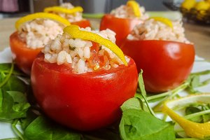 Tomato Stuffed With Rice_