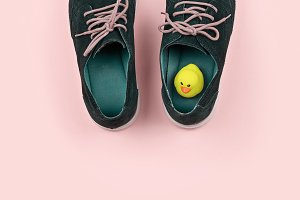 Men's shoes with yellow duck
