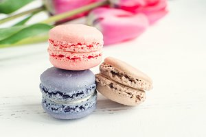 Macaroons and pink tulips