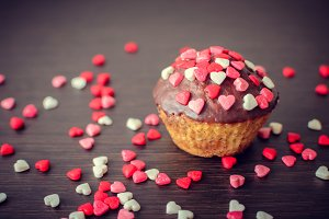 Cupcakes with small hearts