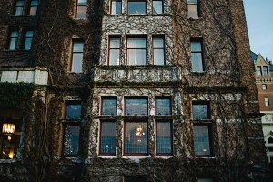 Ivy Covered Brick Hotel in Victoria