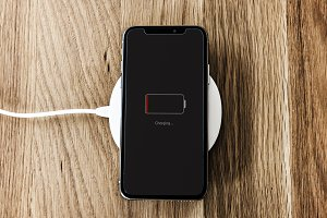 Charging a smartphone (PSD)