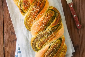 Pesto braided bread
