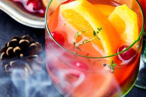 Steam sangria with fruits