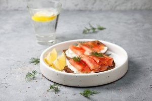 toast with salmon