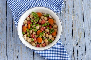 Chickpea salad with fresh fruits