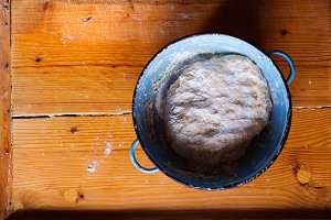 Bowl with dough