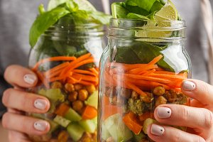 Vegetables and chickpeas salad jars
