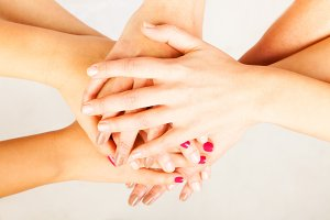 4 Ladies' Hands