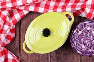 Red cabbage and pot