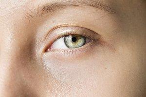 White woman closeup on eyes