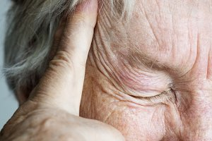 Elderly suffering from migraine