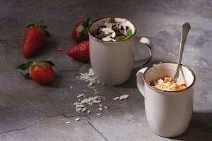 Chocolate and vanilla mug cakes