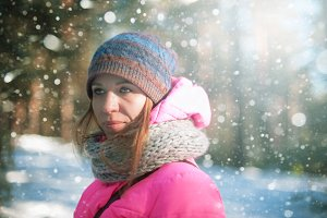 woman portrait in a winter forest