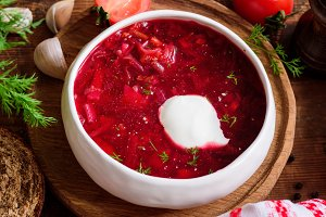 Borscht soup with sour cream