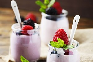 Healthy summer yogurt
