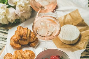 French style romantic summer picnic