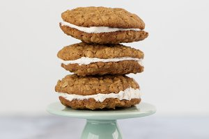 Home Made Oatmeal Creme Pies