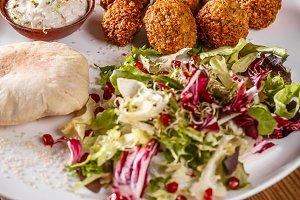 Falafel vegetarian platter