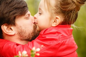 Family. Father and daughter. Kiss