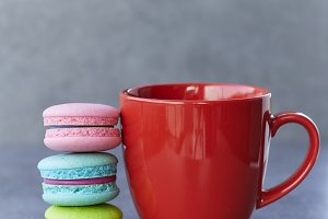 Sweet Break Macaron and cup